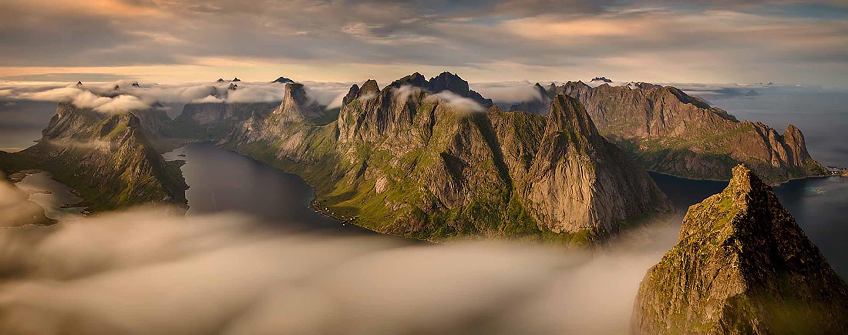 08_2015_O_N_Wojciech_Kruczynski-Helvete-1100x435.jpg